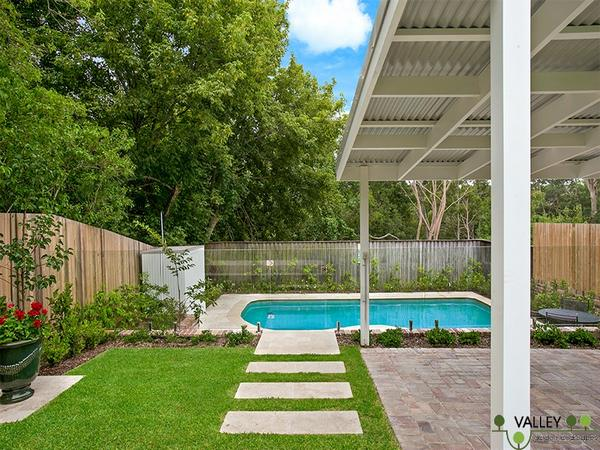 Garden ideas for the families combining pool for Landscape design for pool areas