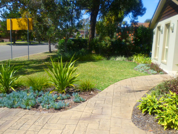 First Impressions With Entrance Front Garden Design Project